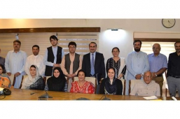 Group-Photo-with-Chairman-and-Management-of-RSPN---Head-Office-Islamabad